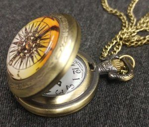Pocket Watch - Compass inspired lid,Woman\'s size